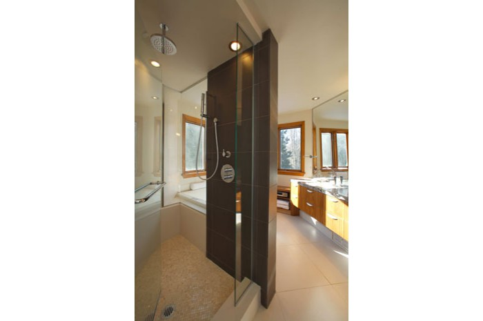 Contemporary Natural Ensuite